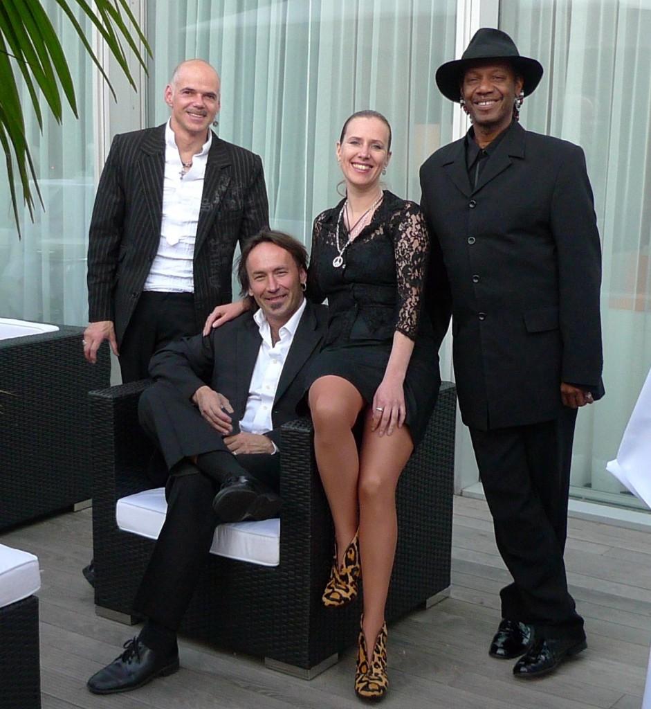 MIssFIZZ Band Nürnberg Lounge 1